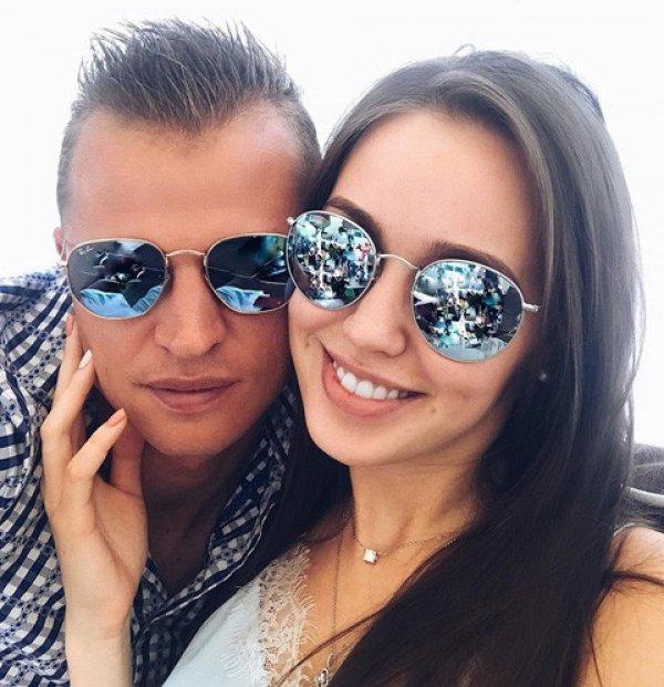 Стало известно имя дочери Тарасова и Костенко