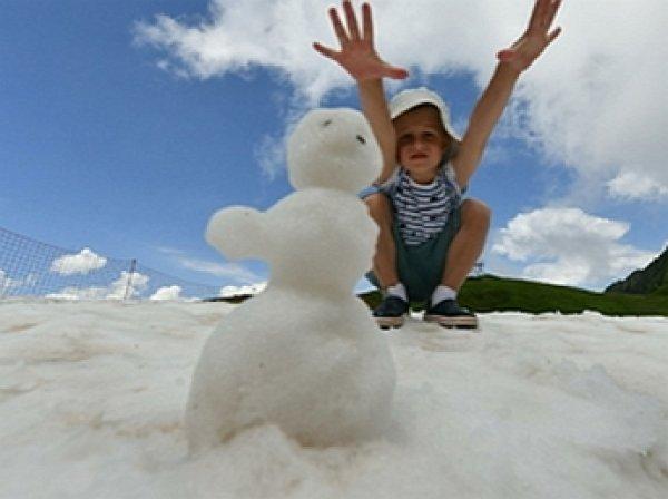 В Турции в разгар туристического сезона выпал снег