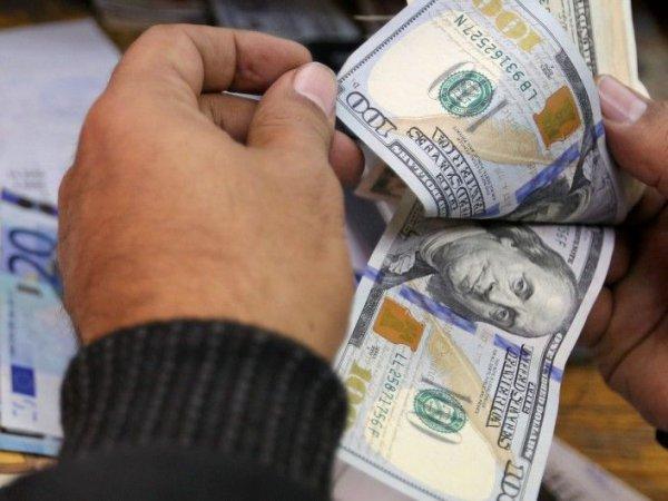 Курс доллара на сегодня, 24 сентября 2018: названо лучшее время для покупки долларов и евро