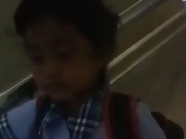 В Тайланде мама школьницы записала на видео голос призрака, который разговаривал с дочерью