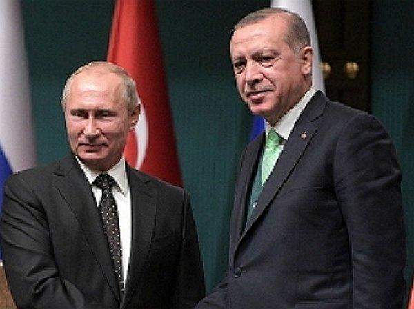 «На уме только Путин»: канал RT высмеял опечатку CNN