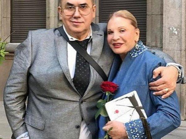 «Похожа на Моисеева»: Садальский показал шокирующее фото Людмилы Максаковой после душа