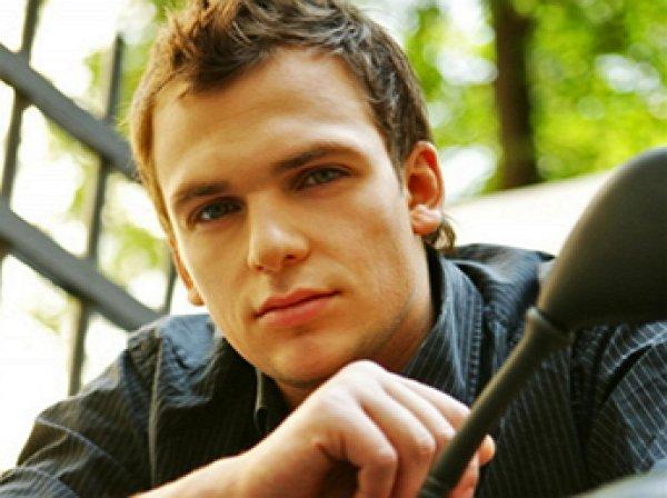 В Сеть попали фото пережившего инсульт актера Алексея Янина