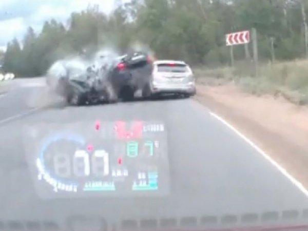 Автомобиль-призрак попал на видео, став виновником смертельного ДТП