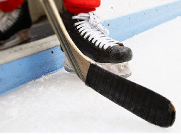 В Москве хоккеист умер прямо во время матча