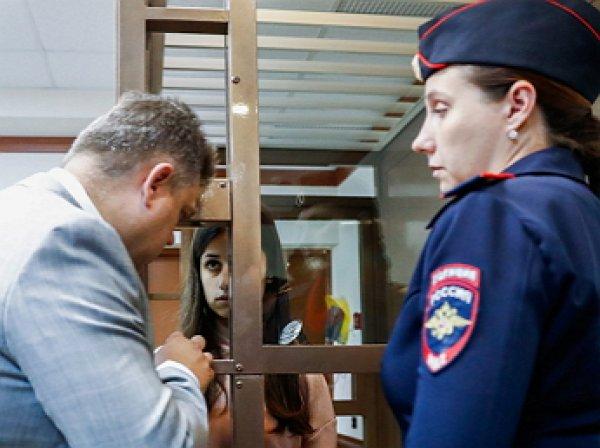 Убивших отца сестер Хачатурян отпустили из СИЗО домой