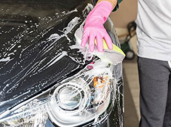 В Москве судят полицейских, избивших автомойщика за отказ помыть машину