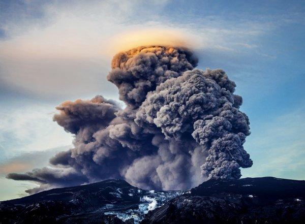 Нибиру пробудила страшный вулкан Катла в Исландии (ВИДЕО)