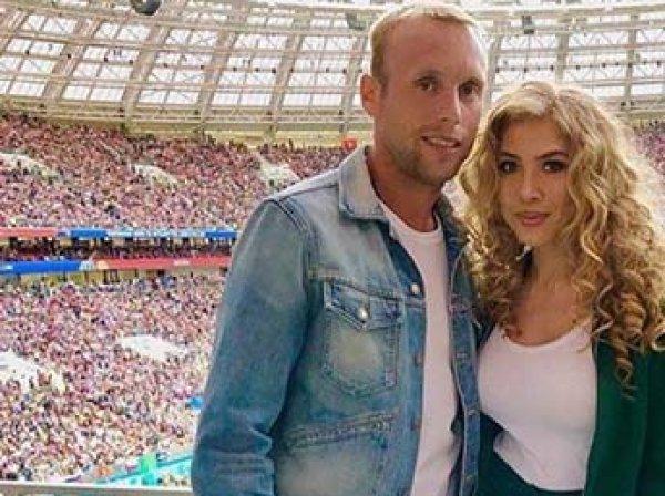 СМИ: футболист Глушаков отбирает детей у жены и требует с нее алименты