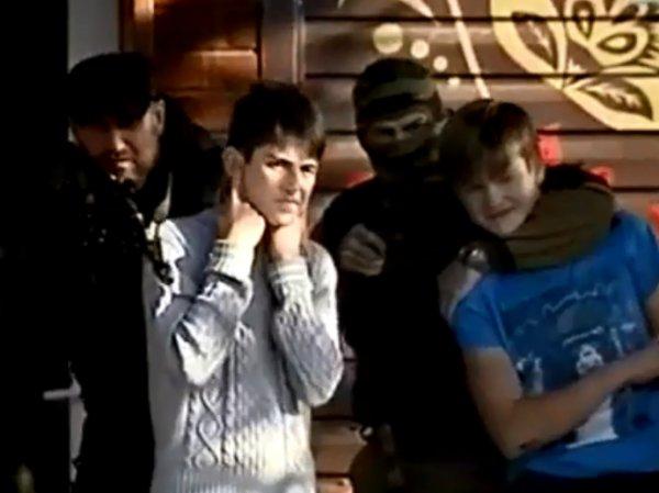 """В Екатеринбурге детей """"взяли в заложники"""" в память о Беслане: видео шокировало Сеть"""