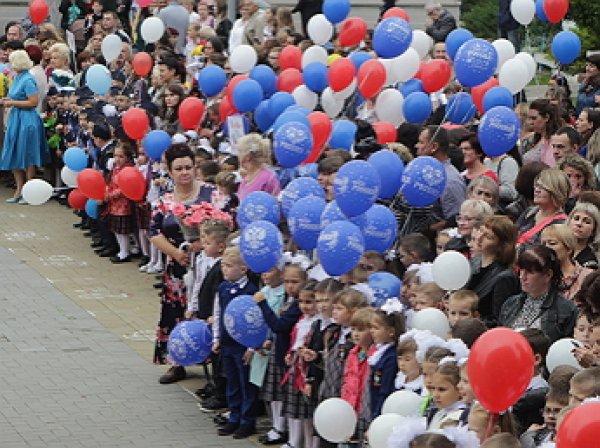 В Челябинске на «параде первоклассников» детей нарядили в форму ОМОНа