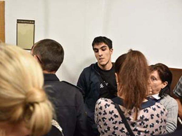 Родственники сестер Хачатурян подрались в здании суда