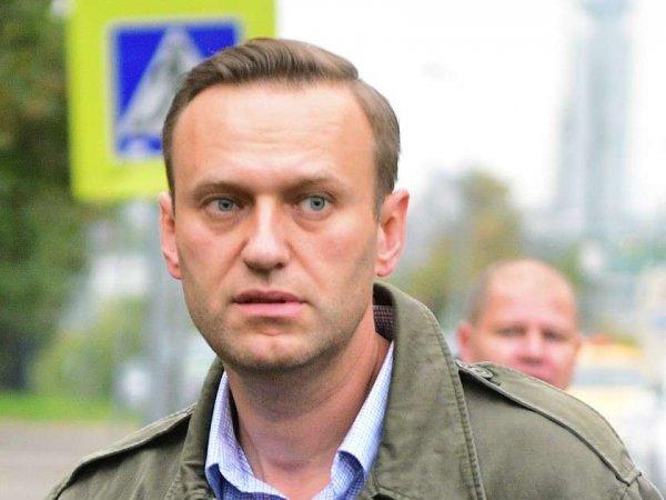"""Навального задержали на выходе из спецприемника по """"экзотической"""" статье: ему снова грозит арест"""