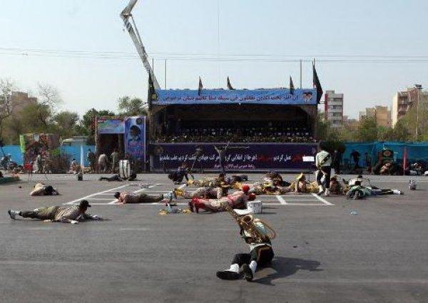 Теракт на военном параде в Иране попал на видео: 24 погибших