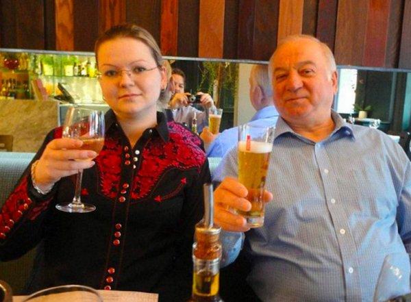 Британия обнародовала имена и фото подозреваемых в отравлении Скрипалей
