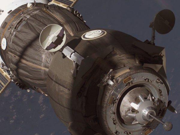 """""""Воздействие было неуверенной рукой:"""" космонавтов заподозрили в намеренном повреждении """"Союза"""""""