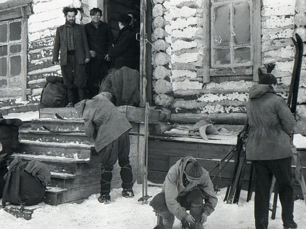 Четверо манси, огненные шары и волки: найдены тайные записи огибели группы Дятлова
