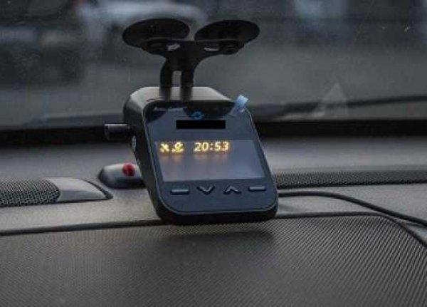 В России водителей начнут штрафовать за видеорегистраторы и антирадары