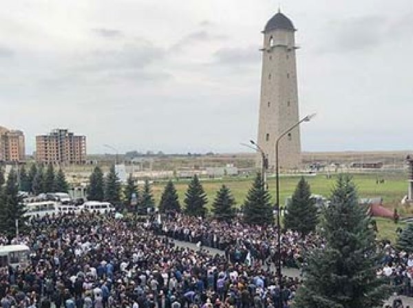 В Ингушетии волна массовых протестов из-за границы с Чечней, дошло до стрельбы