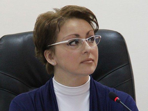 """СМИ: уволенная саратовский """"министр с макарошками"""" получала пособие из бюджета"""