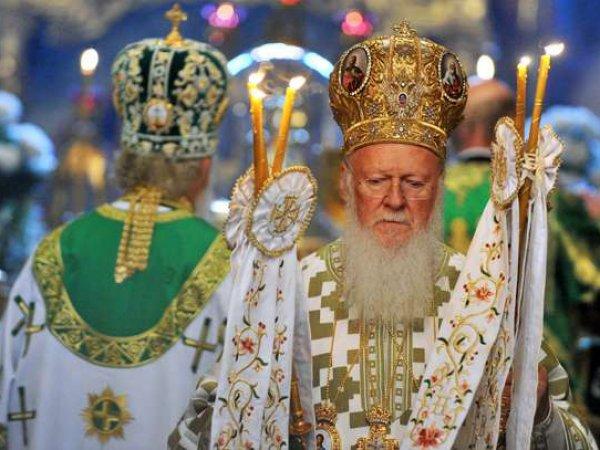 Политологи: религиозный раскол на Украине обернется Третьей мировой войной