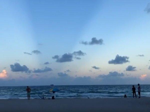Огромная тень от Нибиру накрыла Землю в районе Майами-Бич (ВИДЕО)