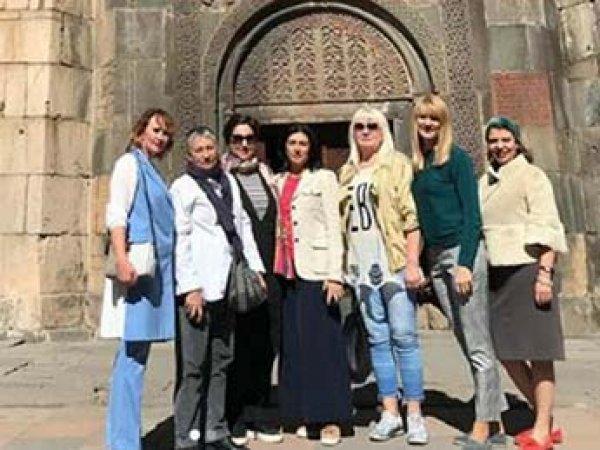 Азербайджан закрыл въезд в страну Журовой, Улицкой и Федермессер