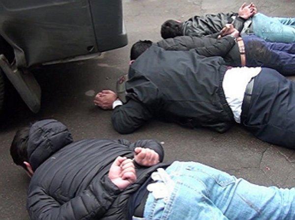 В Сеть попало видео задержания боевиков ИГИЛ, готовивших теракты в Москве
