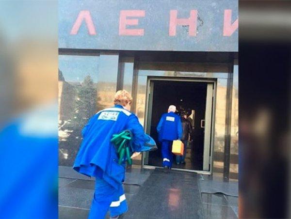 """""""Ленин жив?"""": названа причина визита врачей в Мавзолей"""