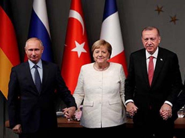 """Меркель раскритиковали за излишнее """"дружелюбие"""" к Путину"""