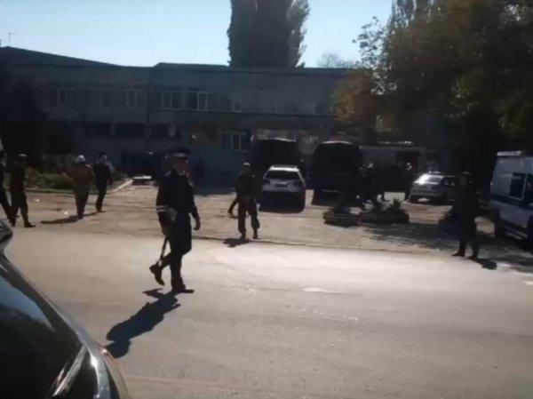 Теракт в колледже в Керчи: в ходе стрельбы и взрыва убиты 15 человек, еще 70 пострадали (ВИДЕО)