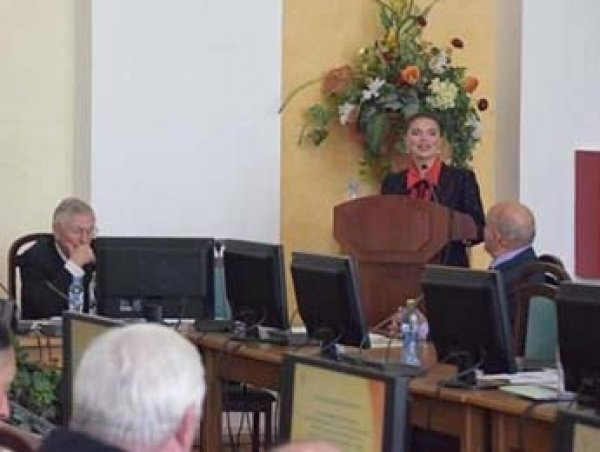 Алина Кабаева защитила кандидатскую диссертацию в Петербурге