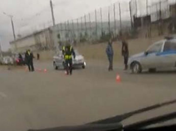 В Сети появилось видео оцепления бунтующей колонии в Омске