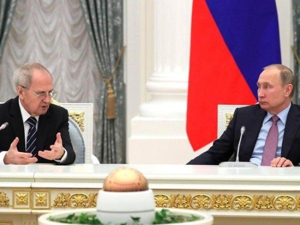 Глава Конституционного суда напомнил о революции и предложил изменить систему власти в России