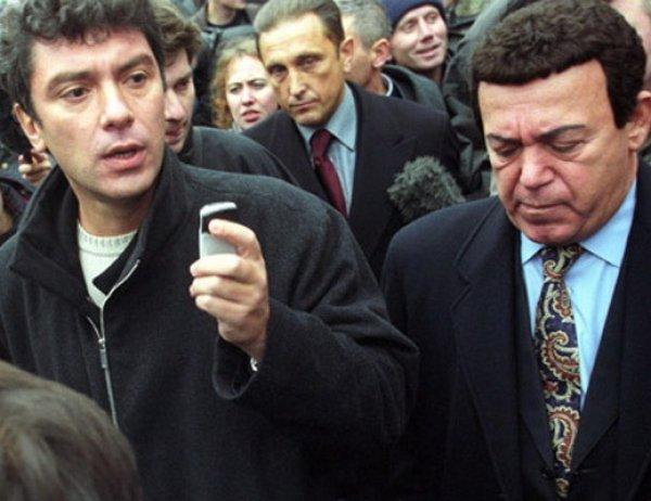 """""""Сейчас они шлепнут кого-нибудь"""": рассказ Кобзона о струсившем на Дубровке Немцове попал в СМИ"""