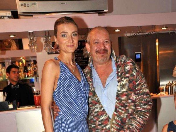 Сюжет НТВ с сыном Марьянова на могиле отца вывел из себя вдову актера