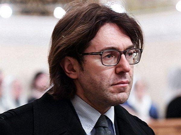 «Ни стыда, ни совести»: Малахова обвинили в пиаре на смерти Караченцова