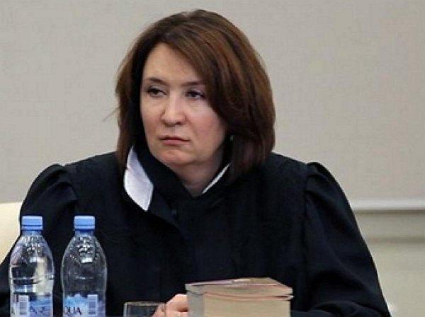 «Золотая судья» Хахалева не имела юридического образования