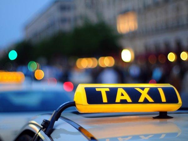 В Москве таксист жестоко избил пассажирку за неудачную шутку: жертва выложила фото в Сеть