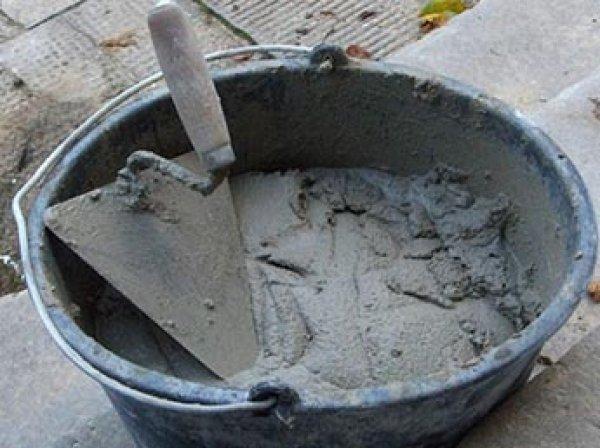 Пенсионера заживо похоронили, залив цементом