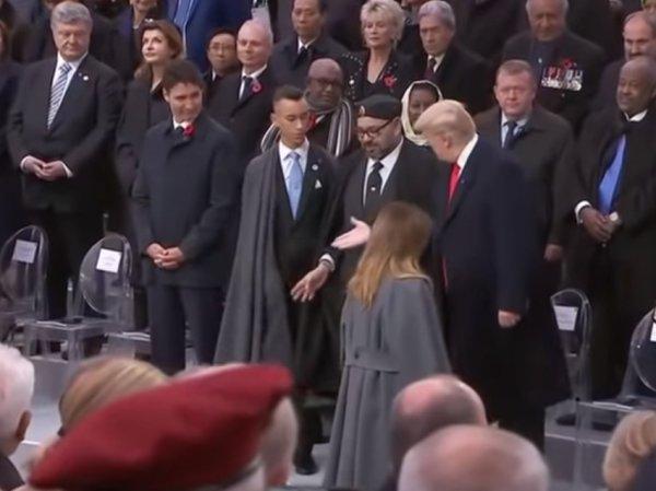 """""""Взгляд щенка"""": соцсети высмеяли Порошенко, которому не пожал руку Трамп"""