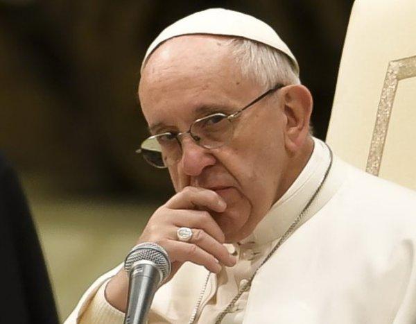 Нибиру встревожила Ватикан: СМИ раскрыли тайную проповедь Папы Римского о конце света