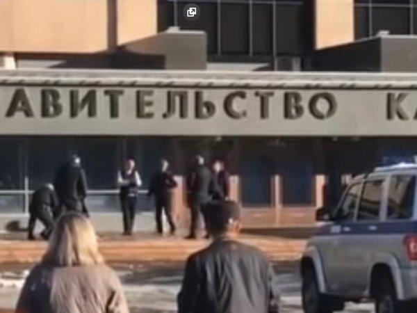 """""""Чпок, чтобы он отрубился"""": на Камчатке уволена чиновница, призывавшая усыпить пенсионера дротиком"""
