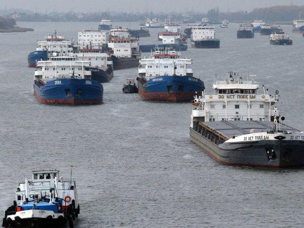"""Украина задержала 15 судов за """"незаконные"""" заходы в крымские порты"""