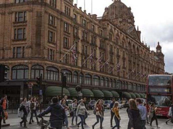 Жену экс-главы банка Азербайджана арестовали после трат на шопинг в Лондоне  млн