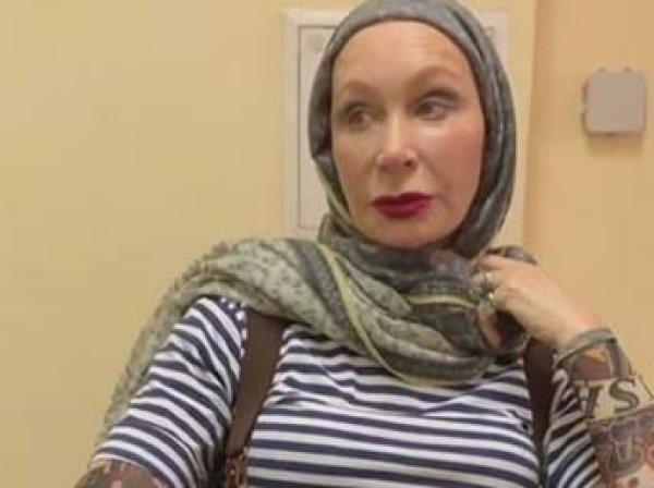 Актрисе Татьяне Васильевой в столичном метро дверью зажало голову: она госпитализирована