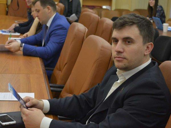 """Севший на """"министерскую диету"""" саратовский депутат похудел на 6 кг"""