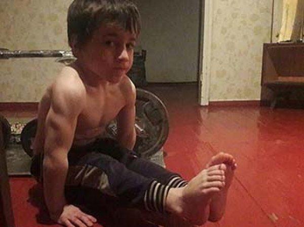 Пятилетний чеченец отжался 4105 раз без перерыва, но рекорд не засчитали из-за мультиков
