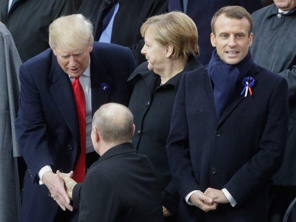 """""""Кажется, кого-то уволят за такие фотки"""": неудачный снимок Путина с Трампом вызвал скандал"""