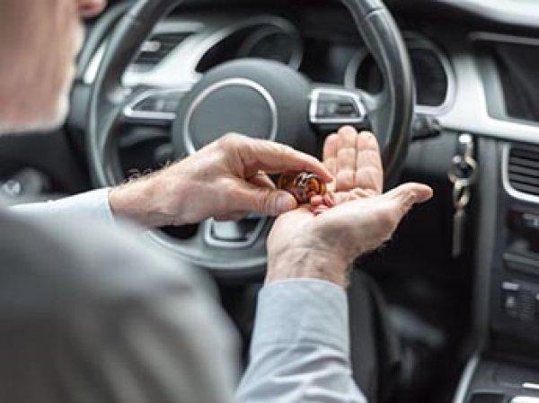 ГИБДД и Минздрав намерены приравнять употребление лекарств за рулем к наркотикам и алкоголю